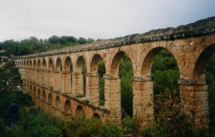 Акведук - одна из самых передовых конструкций своего времени.